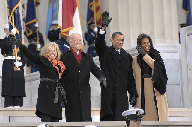 Obamas_and_Bidens_at_Lincoln_Memorial_1-18-09_hires_090118-N-9954T-057